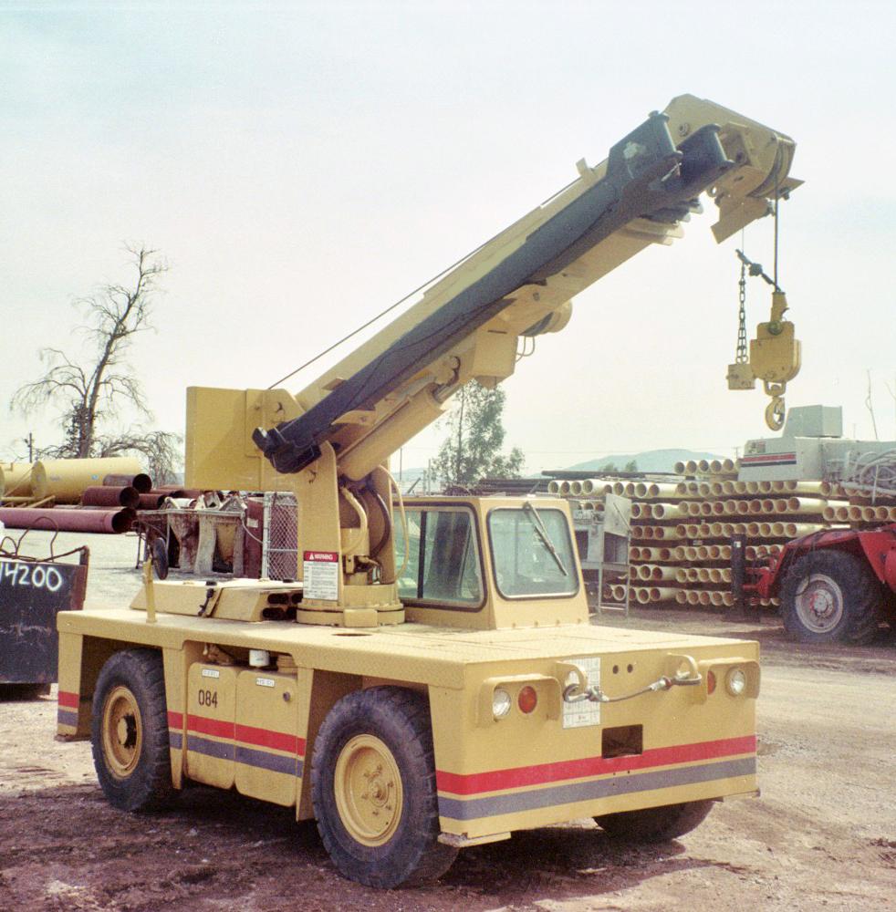1991 grove ap206 carry deck crane for Crane grove